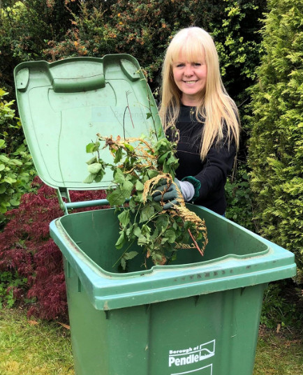 Recycling guru urges Pendle people to go green by recycling garden waste