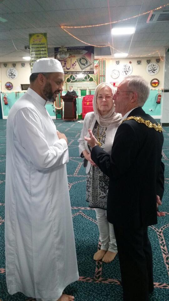 Hundreds attend community iftar
